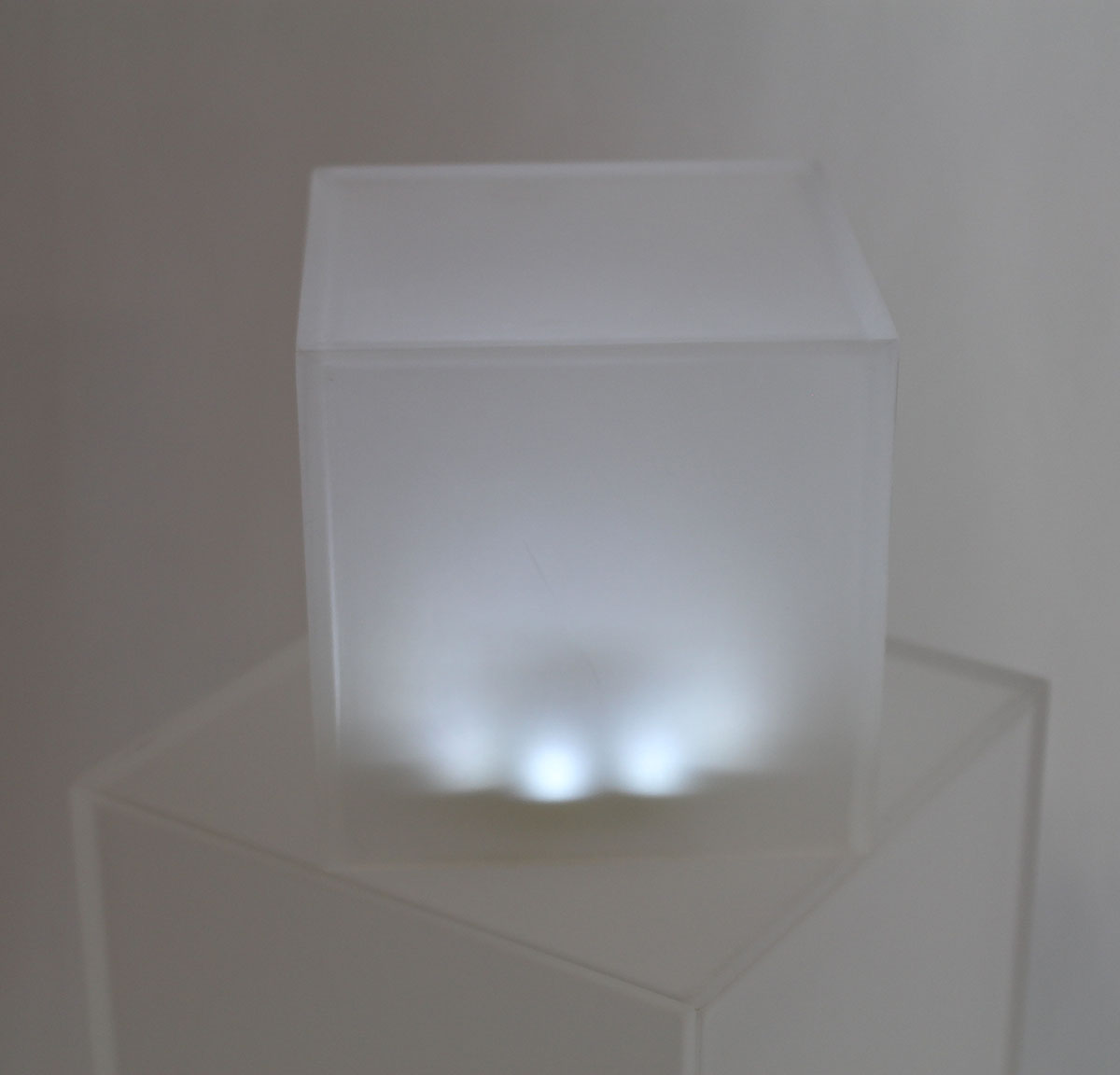 "Mini Led Light Base 4"" Under Frosted Cubes"